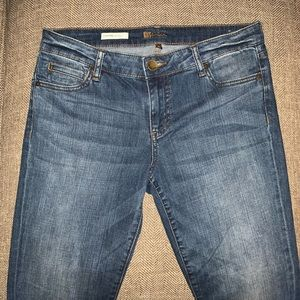 EUC Kut from the Kloth Catherine BF Jeans Size 6.